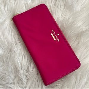 KATE SPADE wallet full zip lots of compartments